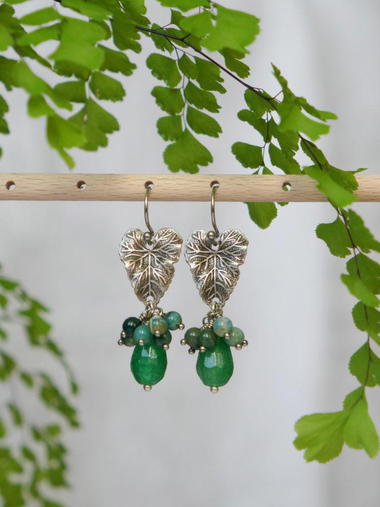 Boucles bourgeon en jade et agate mousse